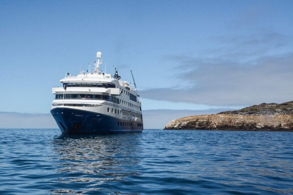 Santa Cruz II Galapagos Cruise exploring the archipelago.