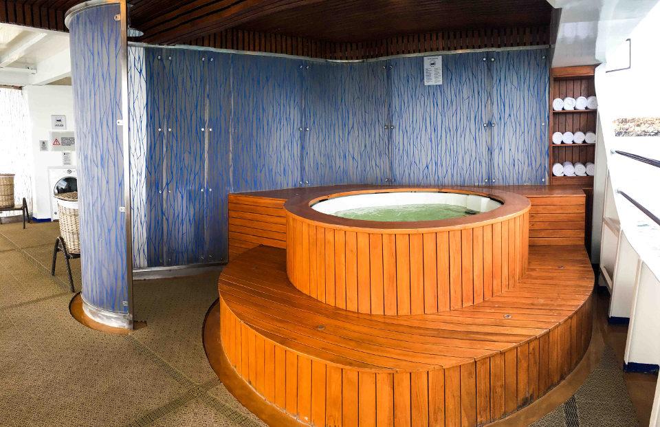 Hot tubs on Santa Cruz II