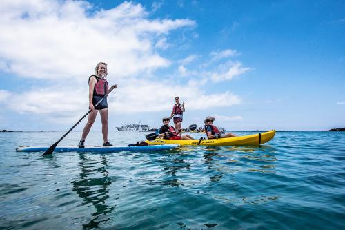 Kayaking and paddling on Santa Fe Island